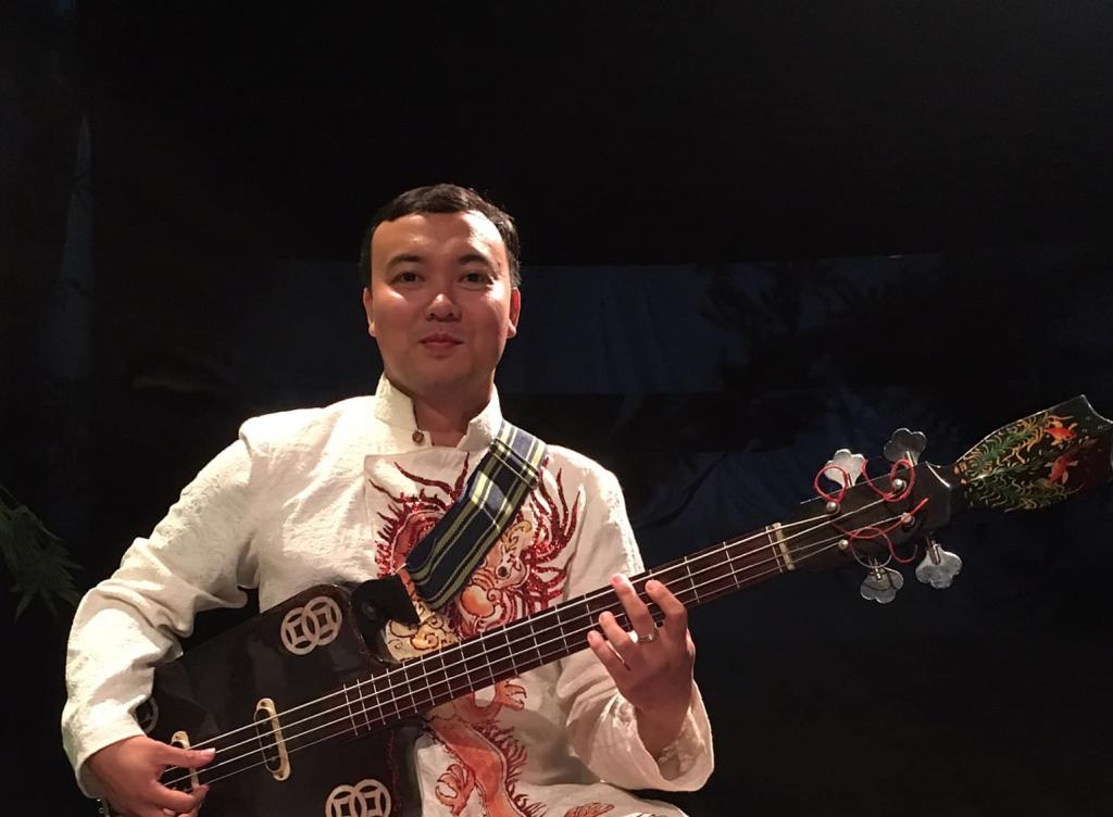 Thầy Đức Dũng Nhạc cụ truyền thống: Bầu, Nguyệt - Hoang Van Art
