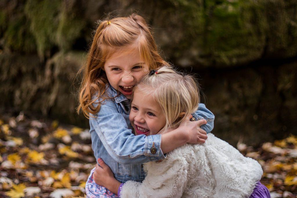 10 hướng dẫn để cha mẹ giúp con giúp con tự tin