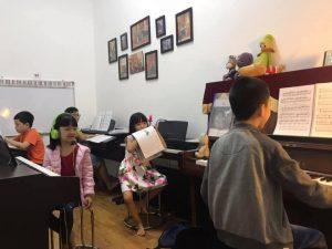 lớp học đàn piano cho trẻ em ở hà nội